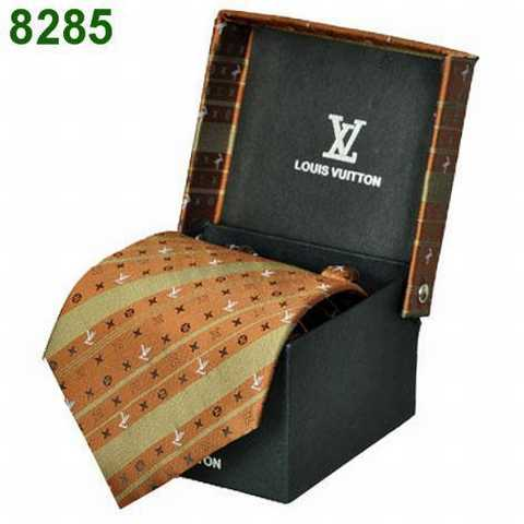 cravate pas cher a paris cravate pour homme 2012 cravate homme rose. Black Bedroom Furniture Sets. Home Design Ideas