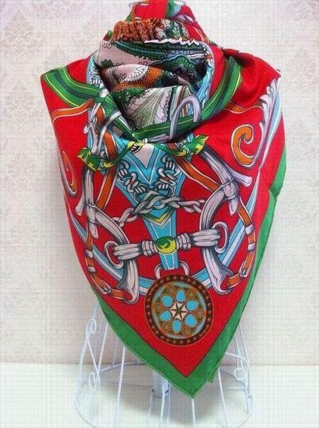 ferma foulard hermes prezzo foulard hermes bruxelles depot vente foulard hermes. Black Bedroom Furniture Sets. Home Design Ideas