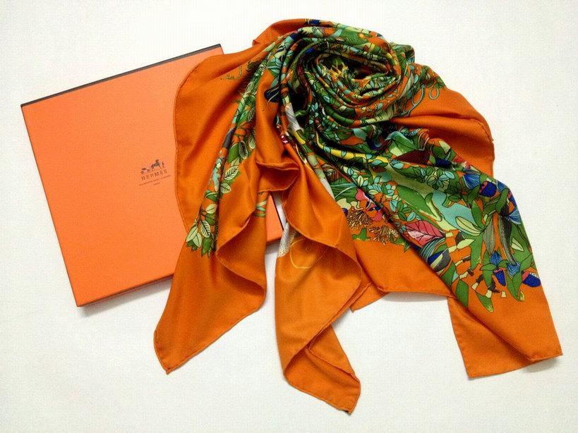 foulard hermes femme pas cher foulard hermes vendo foulard hermes biarritz. Black Bedroom Furniture Sets. Home Design Ideas