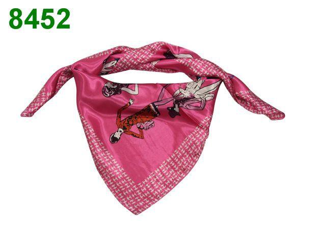 foulard hermes etiquette comment reconnaitre un foulard hermes foulard hermes usati ebay. Black Bedroom Furniture Sets. Home Design Ideas