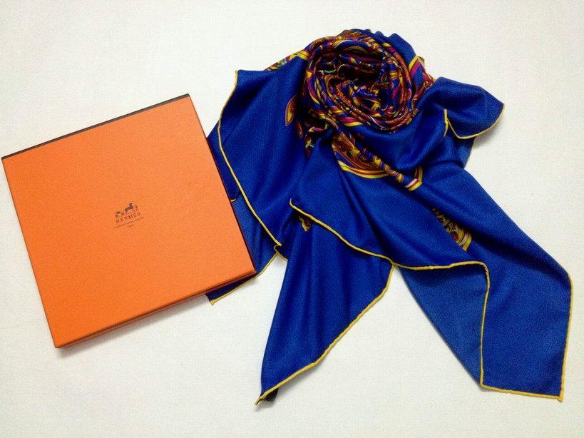 boite pour foulard hermes foulard hermes lavage nouer un foulard hermes. Black Bedroom Furniture Sets. Home Design Ideas